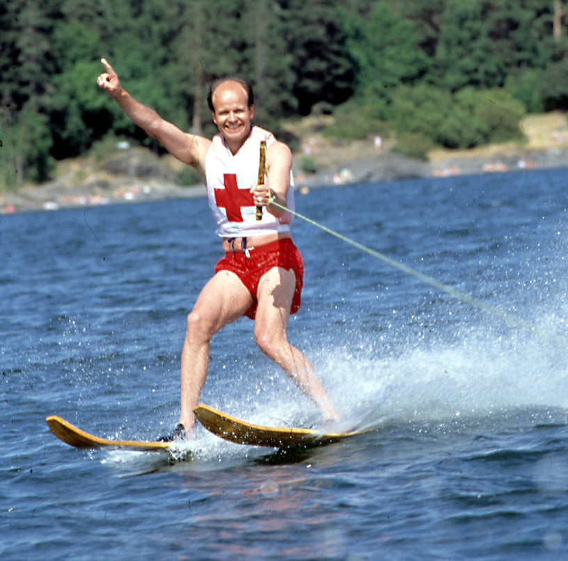 Sven Mollekleiv på vannski